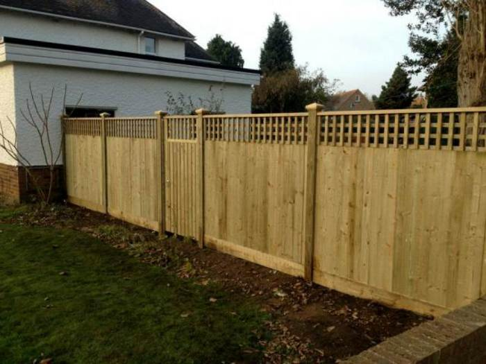 Venetian Fencing And Trellis Fences In Kent